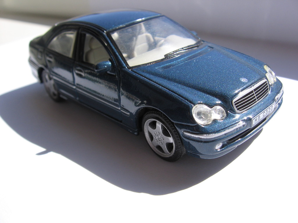 Mercedes-Benz C320, comparison, порівняння