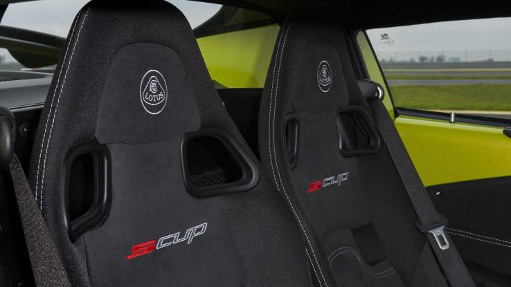 Lotus Elise Cup S, Cup R, сидіння