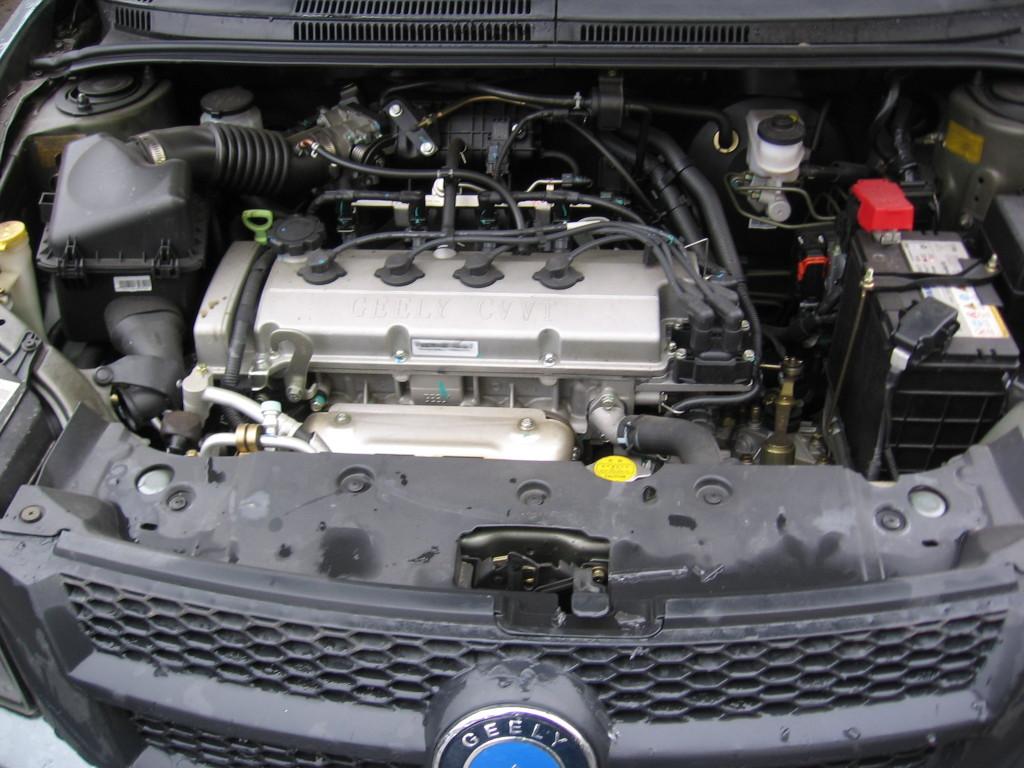 фото Geely GC6, двигун