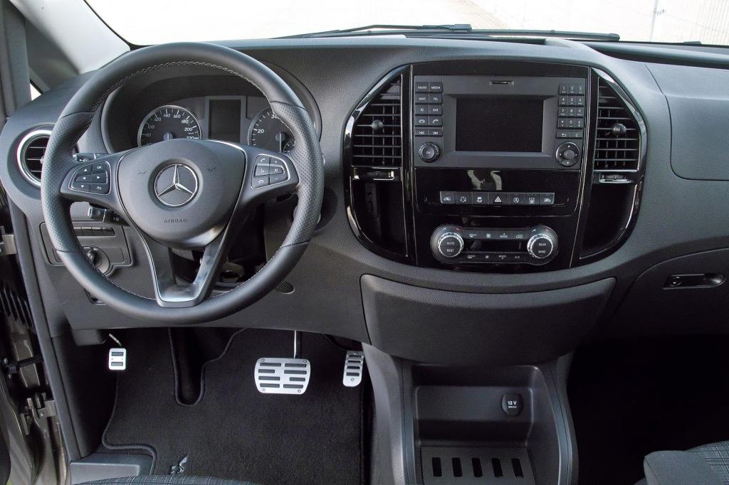 фото Mercedes-Benz Metris 2015
