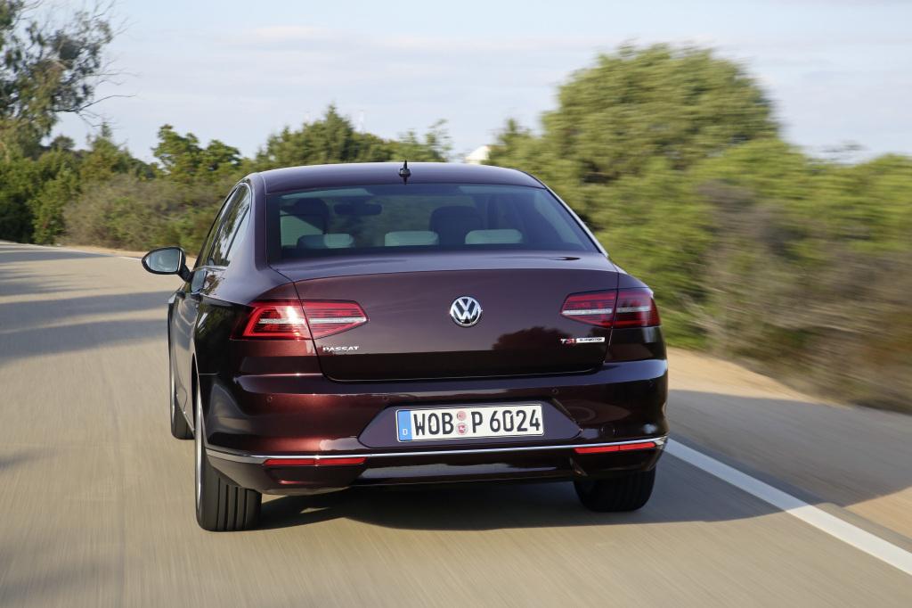 фото VW Passat B8, Автомобіль року-2015