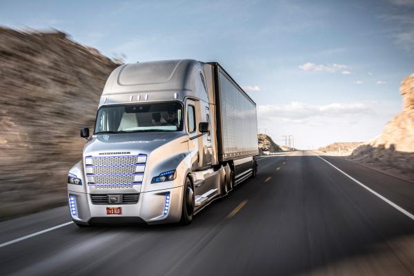 фото Freightliner Inspiration Truck, Cascadia, Mercedes-Benz Actros, автопілот, автономний хід