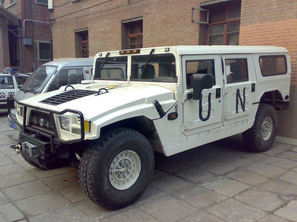 фото Dongfeng Crazy Soldier, Hummer H1, китайські копії світових автомобілів