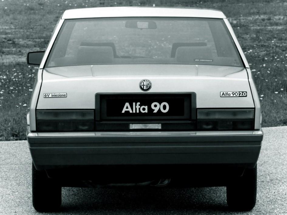 фото Alfa Romeo 90