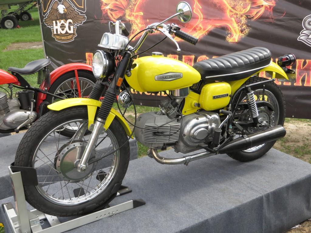 Harley-Davidson Sprint, Aermachhi, мотоцикли