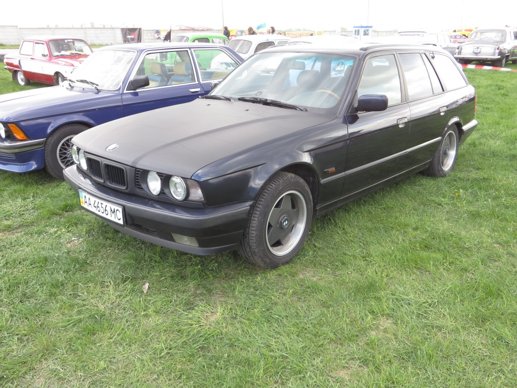 автомобілі, OldCarLand-2016, BMW E34