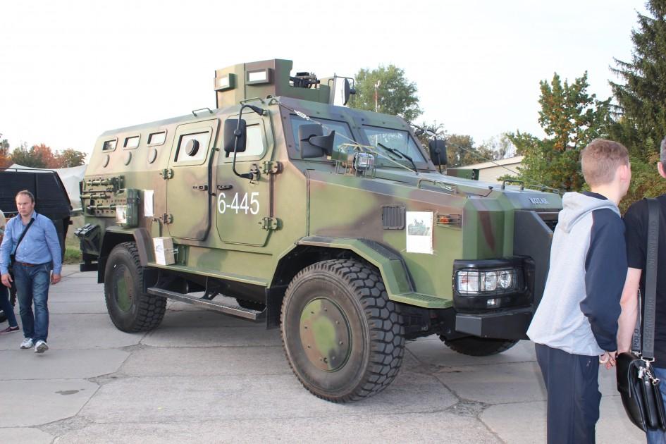 OldCarLand-2016, МАЗ-103Т, Skoda-706RT, Praga V3S, Козак 001