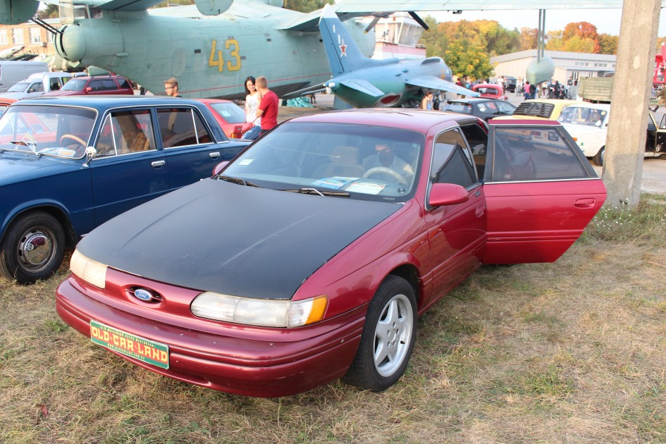 OldCarLand-2016, Ford Escort MK4, Ford Taurus