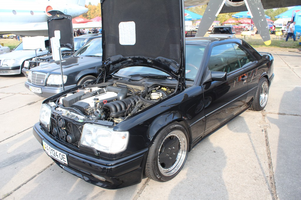 OldCarLand-2016, Mercedes W115, Mercedes-Benz C124 E36 AMG
