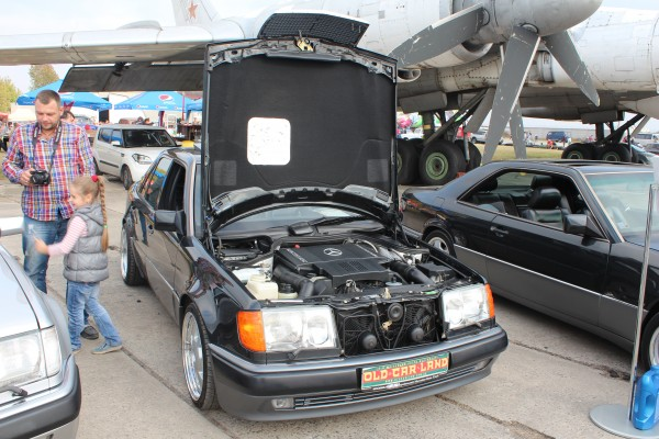OldCarLand-2016, Mercedes W115, Mercedes-Benz C124 E36 AMG, Mercedes-Benz E320 W124 Coupe, Mercedes 500E