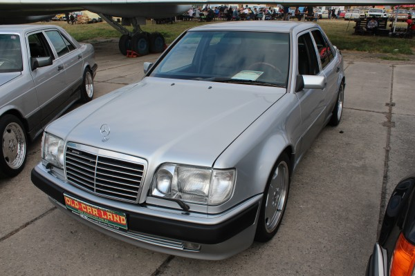OldCarLand-2016, Mercedes W115, Mercedes-Benz C124 E36 AMG, Mercedes-Benz E320 W124 Coupe, Mercedes 500E, Mercedes W124 E500