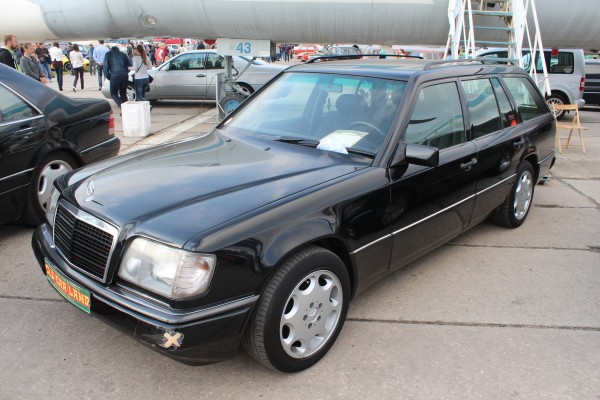 OldCarLand-2016, Mercedes W115, Mercedes-Benz C124 E36 AMG, Mercedes-Benz E320 W124 Coupe, Mercedes 500E, Mercedes W124 E500, Mercedes 126 SEK, Mercedes W126 500SE, Mercedes-Benz C124 E200T