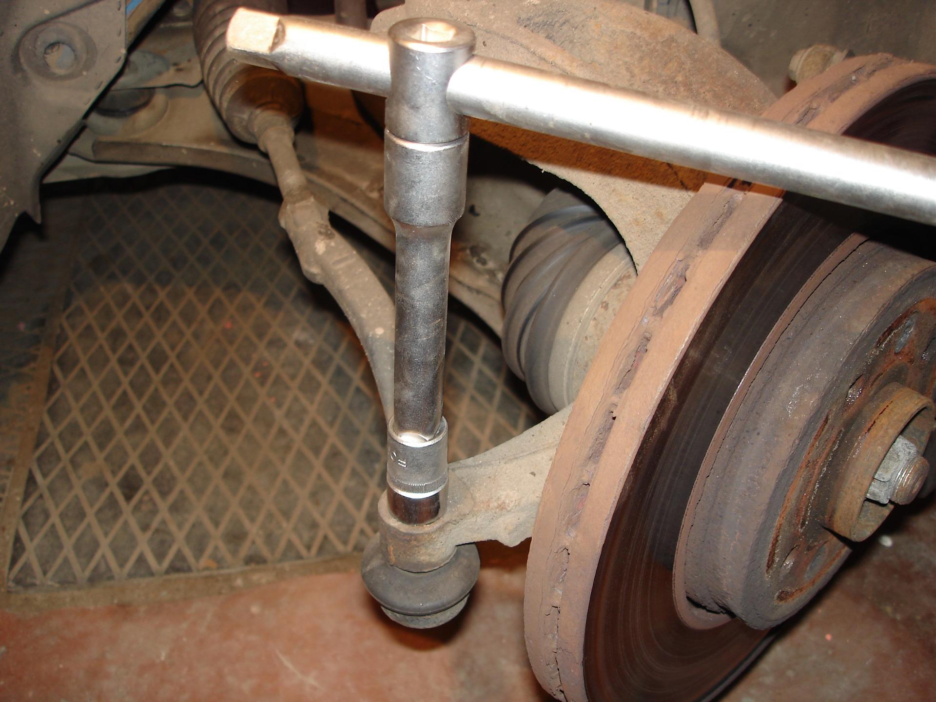Замена рулевых тяг на форд фокус 2 своими руками видео
