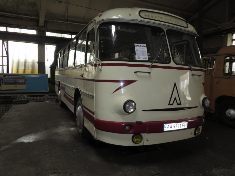 ЛАЗ, автобус фото, КрАЗ, ЛАЗ-695, ЛАЗ 697М, ЛАЗ 697М Турист