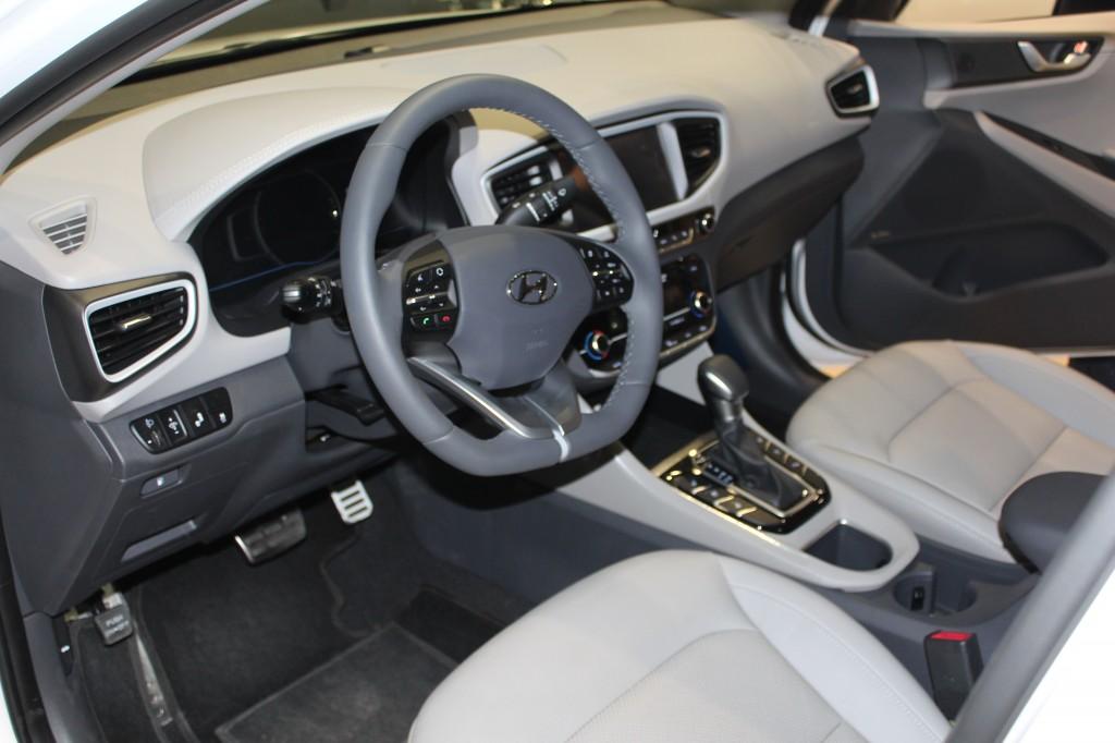 Plug-In Ukraine 2017, Hyundai Ioniq Hybrid
