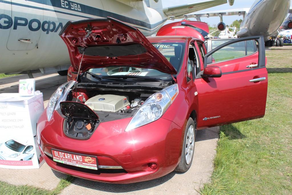 OldCarLand-2017, Nissan Leaf