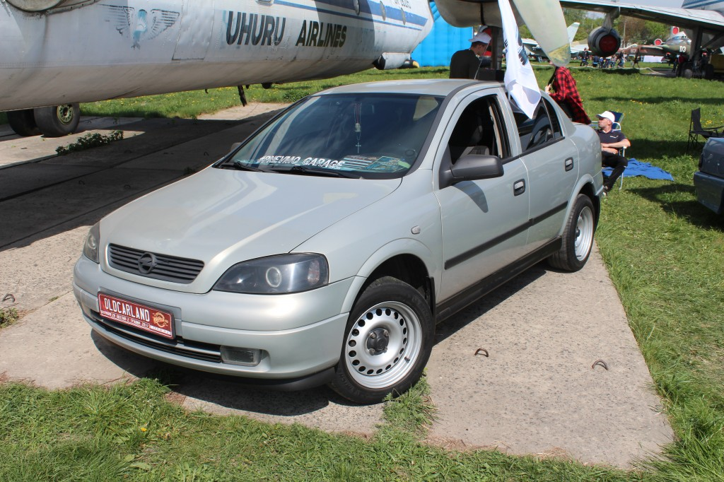 OldCarLand-2017, Opel Astra G