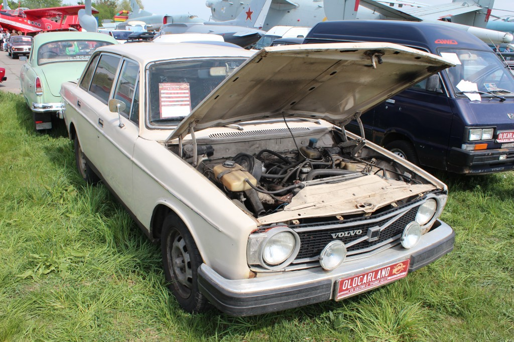 OldCarLand-2017, Volvo 144