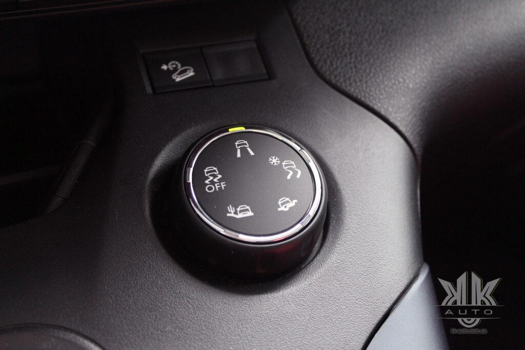 Тест-драйв Peugeot Rifter, контроллер Advanced Grip Control