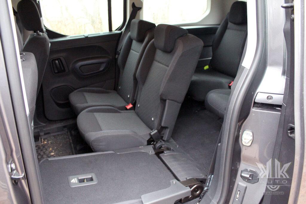 Тест-драйв Peugeot Rifter, сидіння відкидні