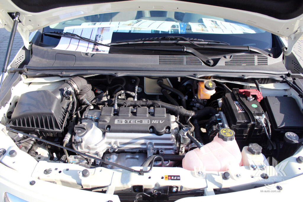 Надійні бензинові двигуни Равон Р4, тест-драйв Ravon R4