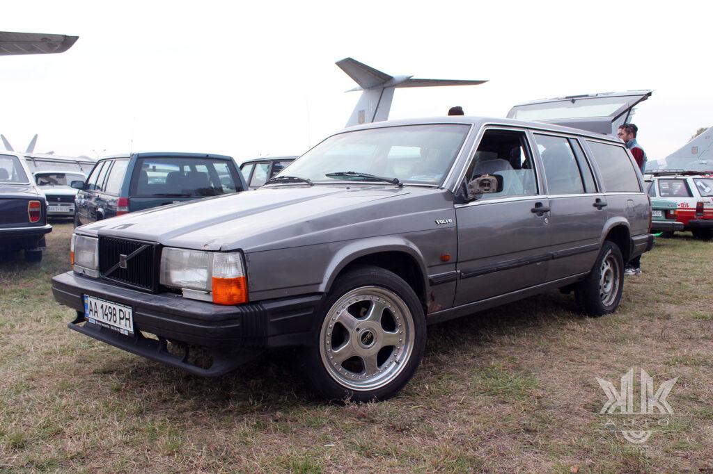 Volvo 745