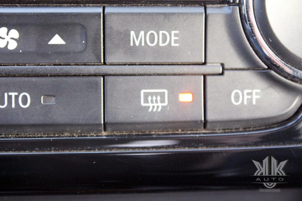 Тест-драйв Mitsubishi L200, обігрів заднього скла