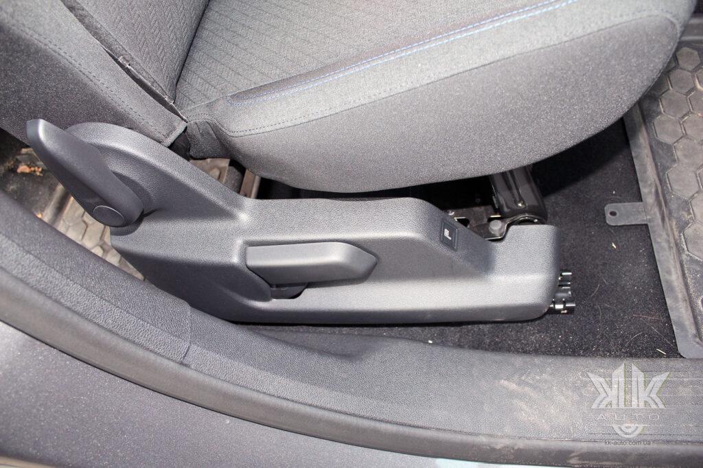 Тест-драйв Peugeot Rifter, підігрів сидіння