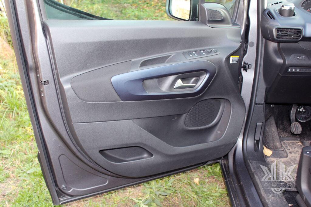 Тест-драйв Peugeot Rifter, карта дверей