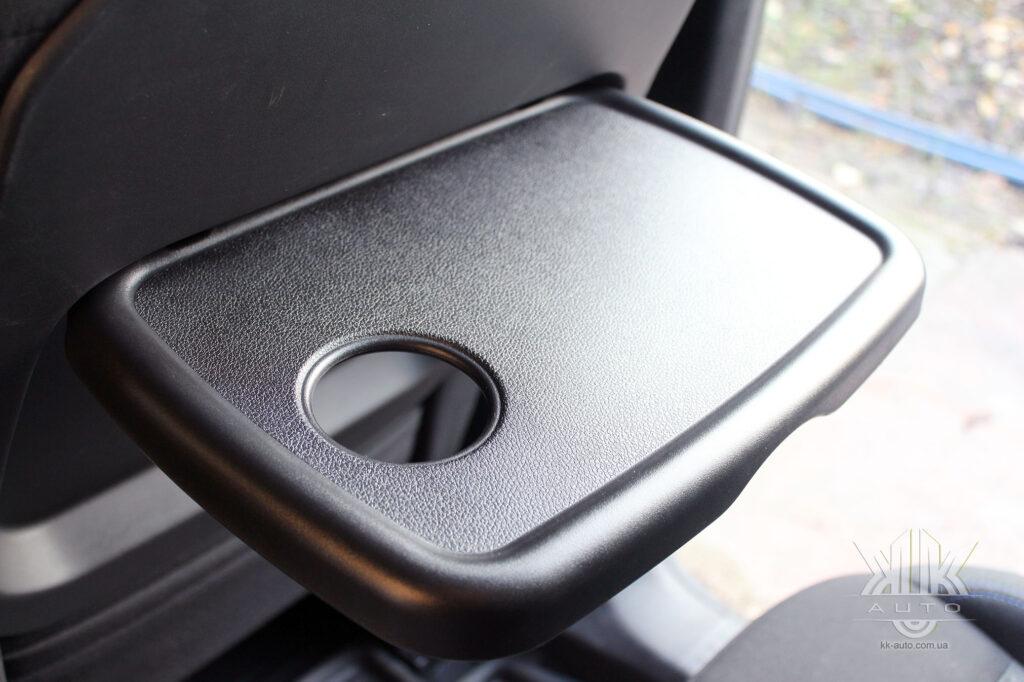 Тест-драйв Peugeot Rifter, столик