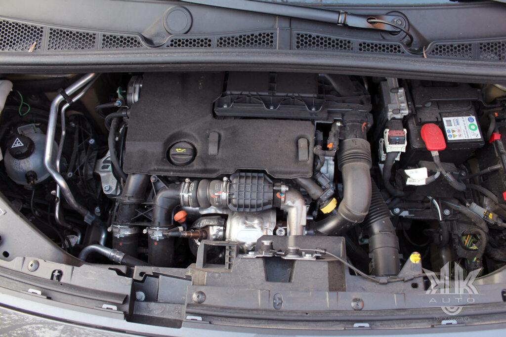 Тест-драйв Peugeot Rifter, двигун дизельний