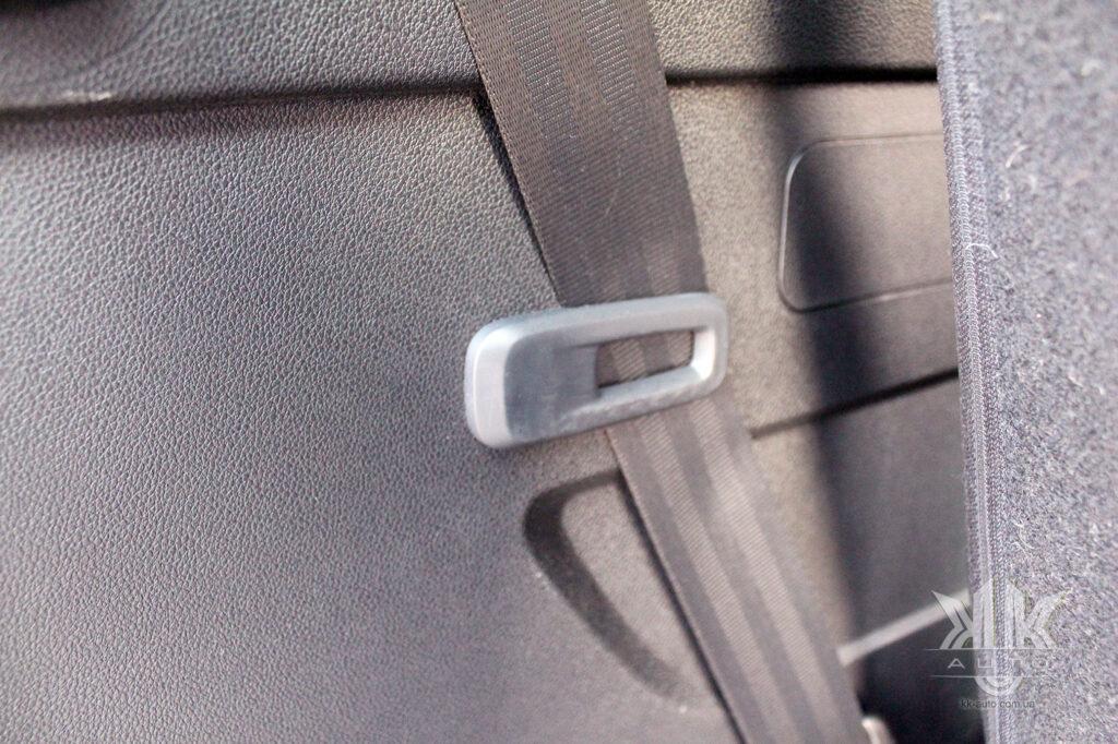 Тест-драйв Peugeot Rifter, кріплення