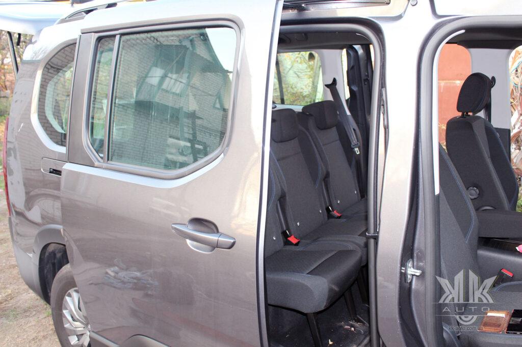 Тест-драйв Peugeot Rifter, задні двері