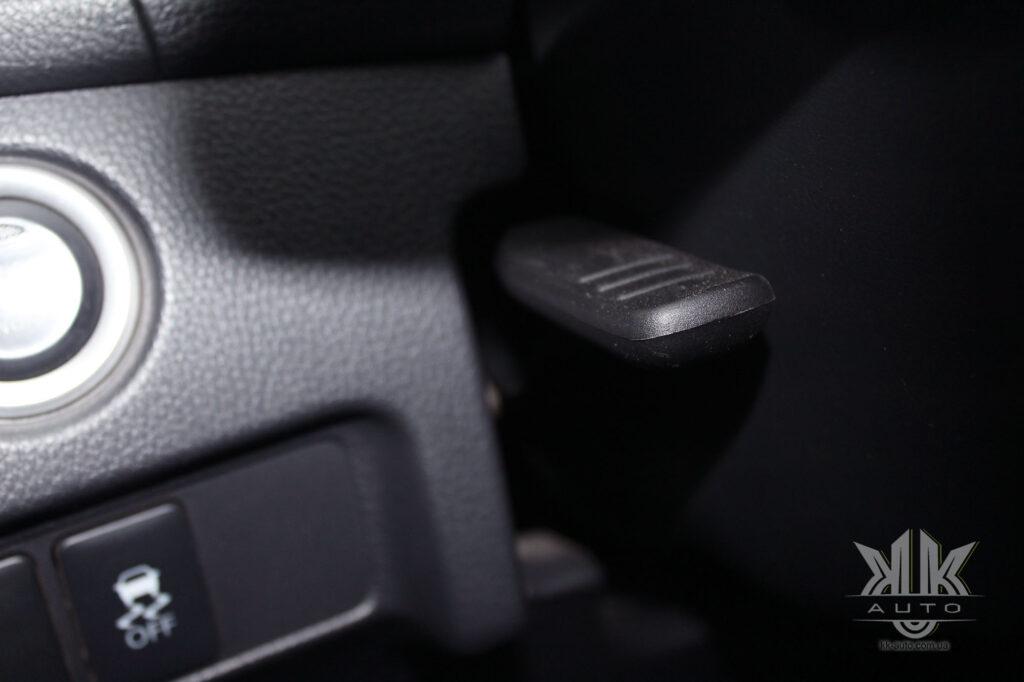 Тест-драйв Mitsubishi L200, регулювання керма