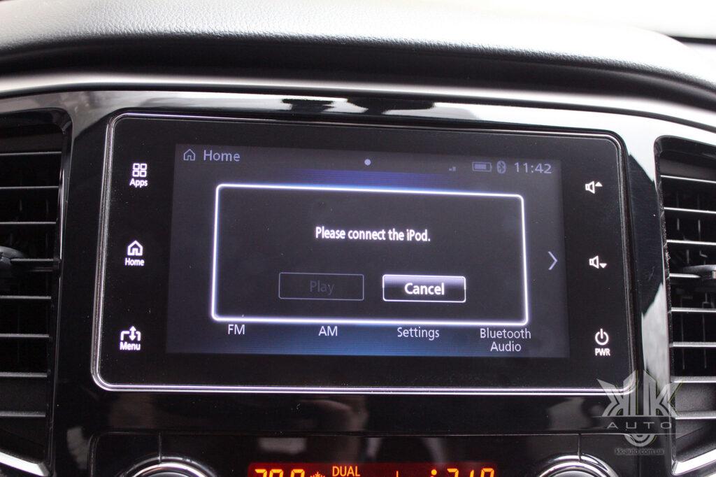 Тест-драйв Mitsubishi L200, iPod