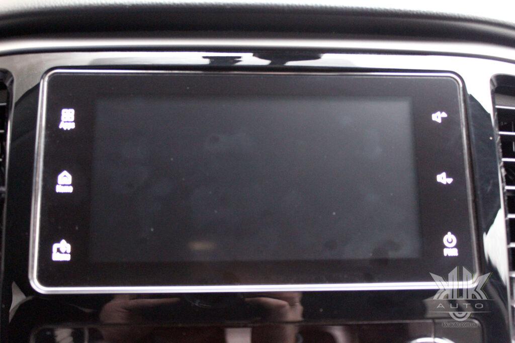 Тест-драйв Mitsubishi L200, Mitsubishi Connect