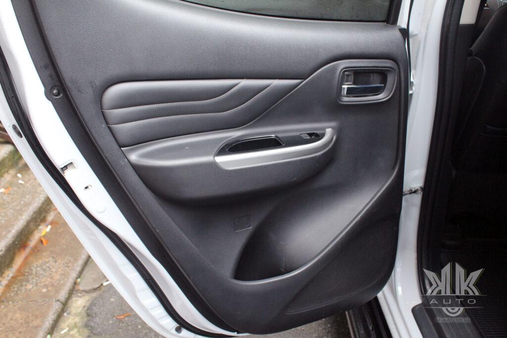 Тест-драйв Mitsubishi L200, карта дверей