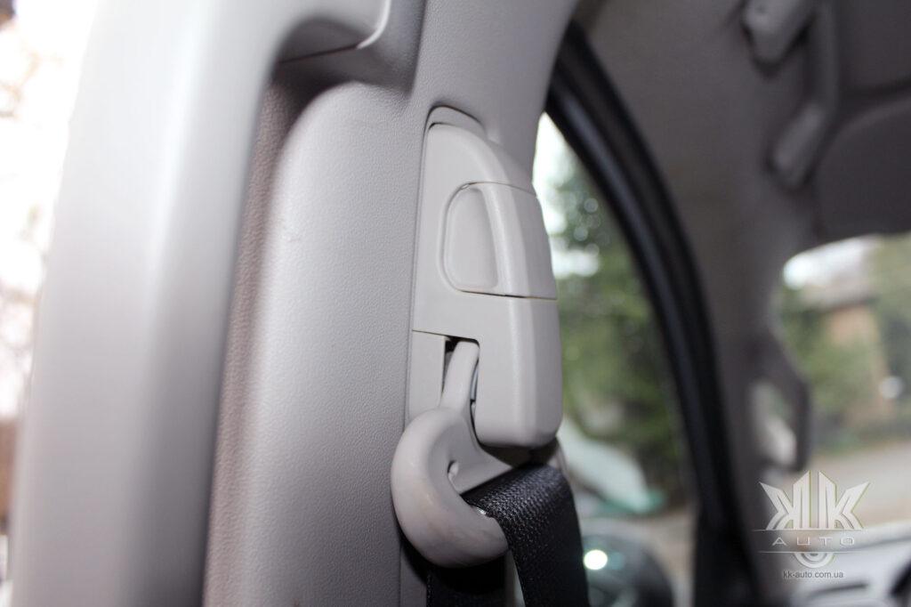 Тест-драйв Mitsubishi L200, пасок безпеки