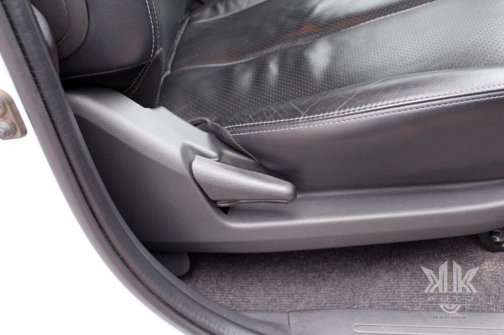 Тест-драйв Mitsubishi L200, сидіння