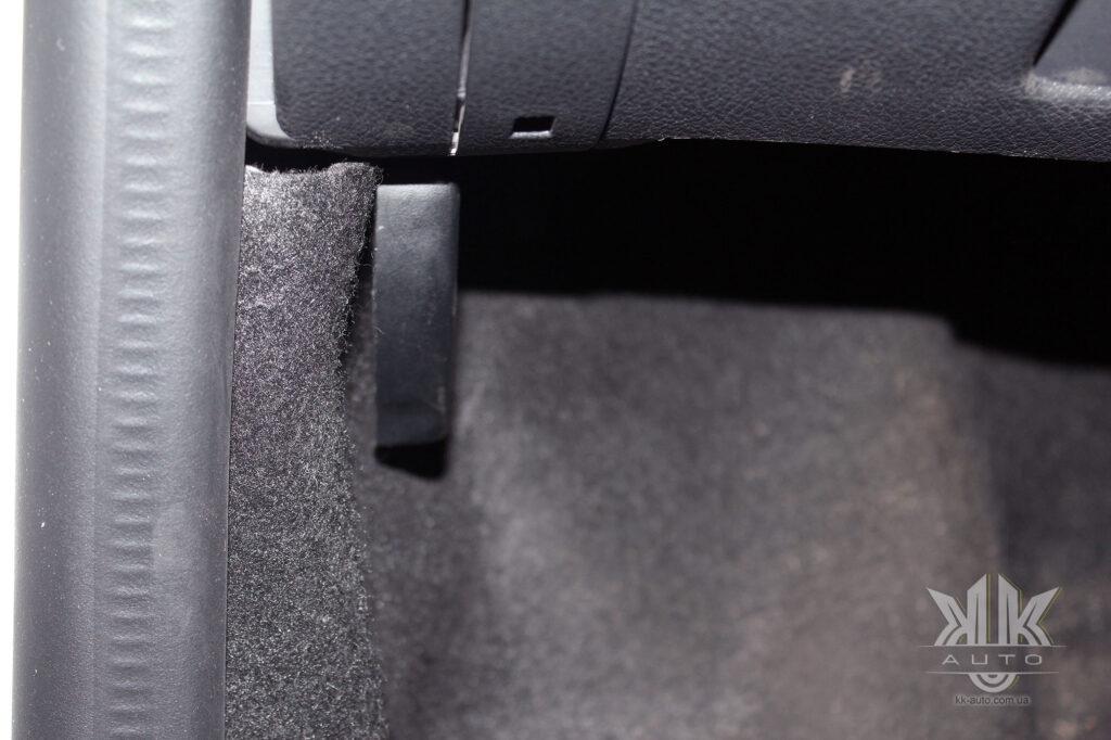 Тест-драйв Renault Logan, важіль