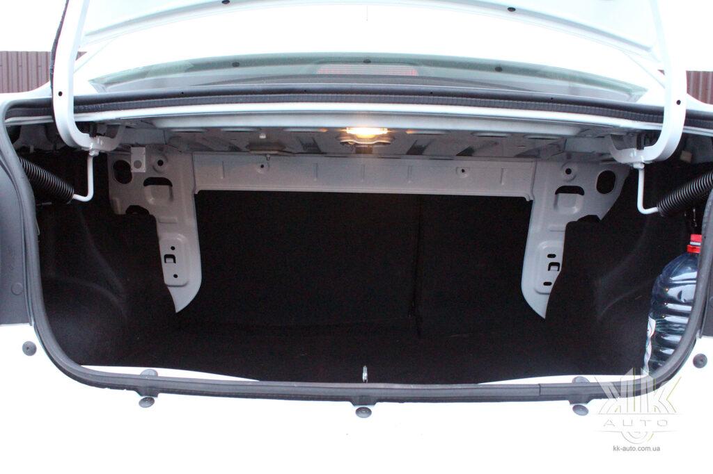 Тест-драйв Renault Logan, багажник