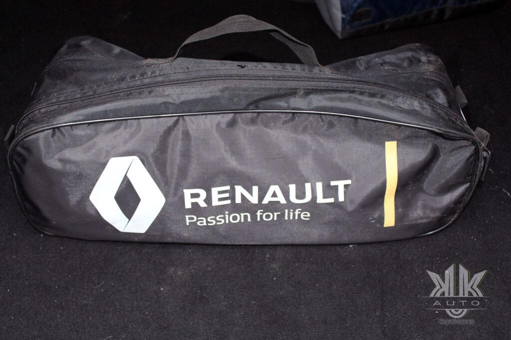 Тест-драйв Renault Logan, дорожній набір