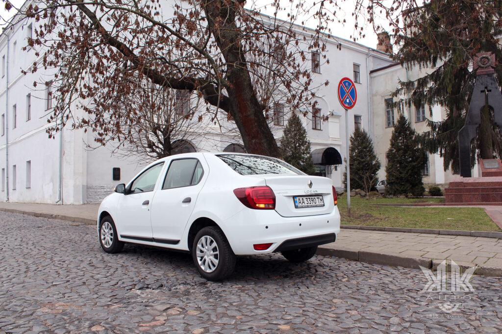 Тест-драйв Renault Logan, парктронік