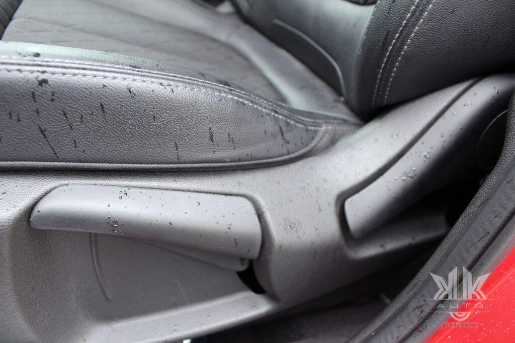 Тест-драйв Renault Kadjar, шкіряні сидіння для авто