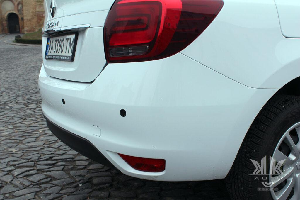 Тест-драйв Renault Logan, задній бампер
