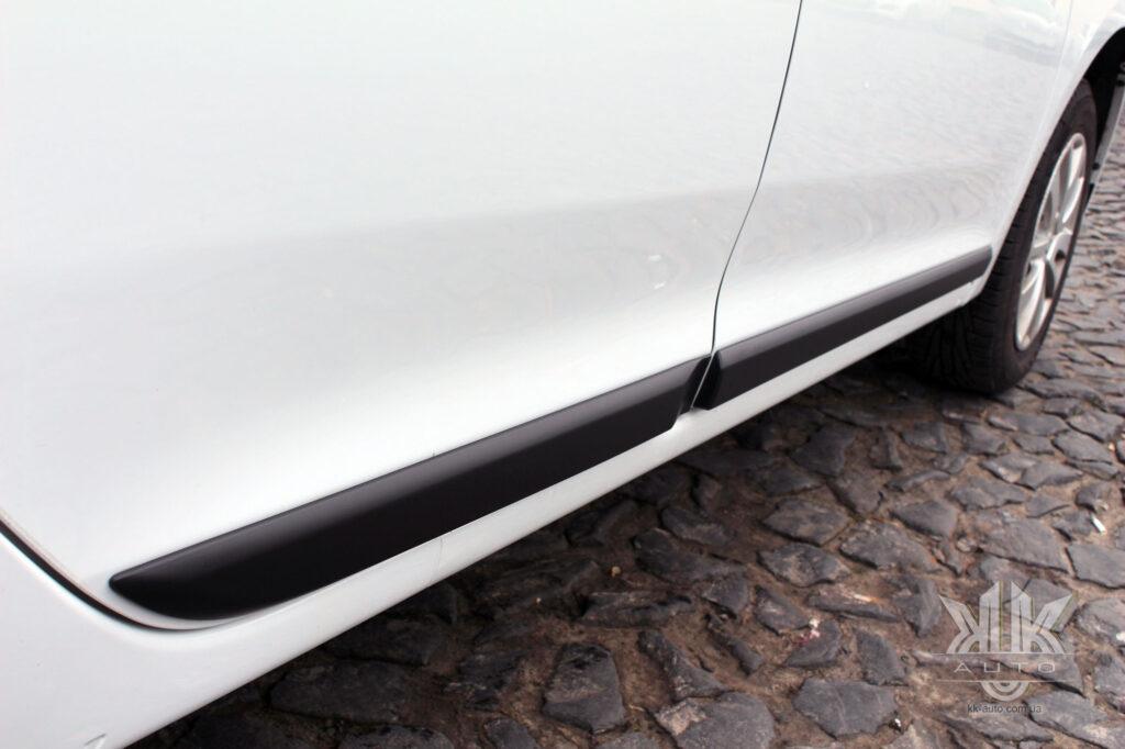 Тест-драйв Renault Logan, молдинг