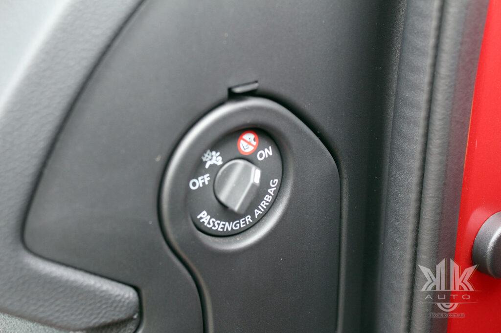 Тест-драйв Renault Kadjar, подушка безпеки