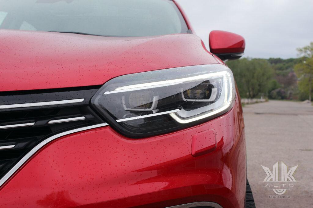 Тест-драйв Renault Kadjar, ходові вогні