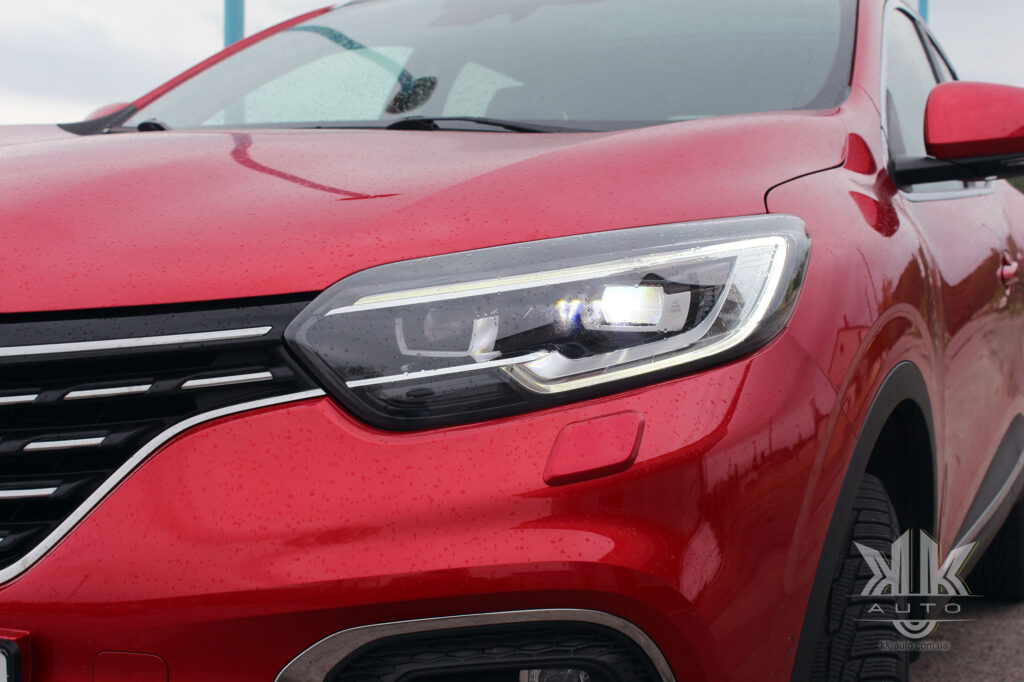 Тест-драйв Renault Kadjar, Full LED