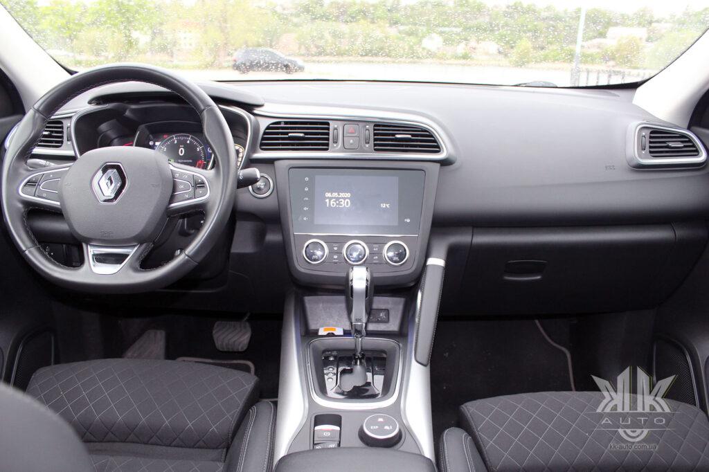 Тест-драйв Renault Kadjar, передня панель